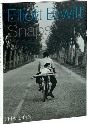 Snaps. Elliott Erwitt, Charles Flowers, Murray Sayle, text, intro